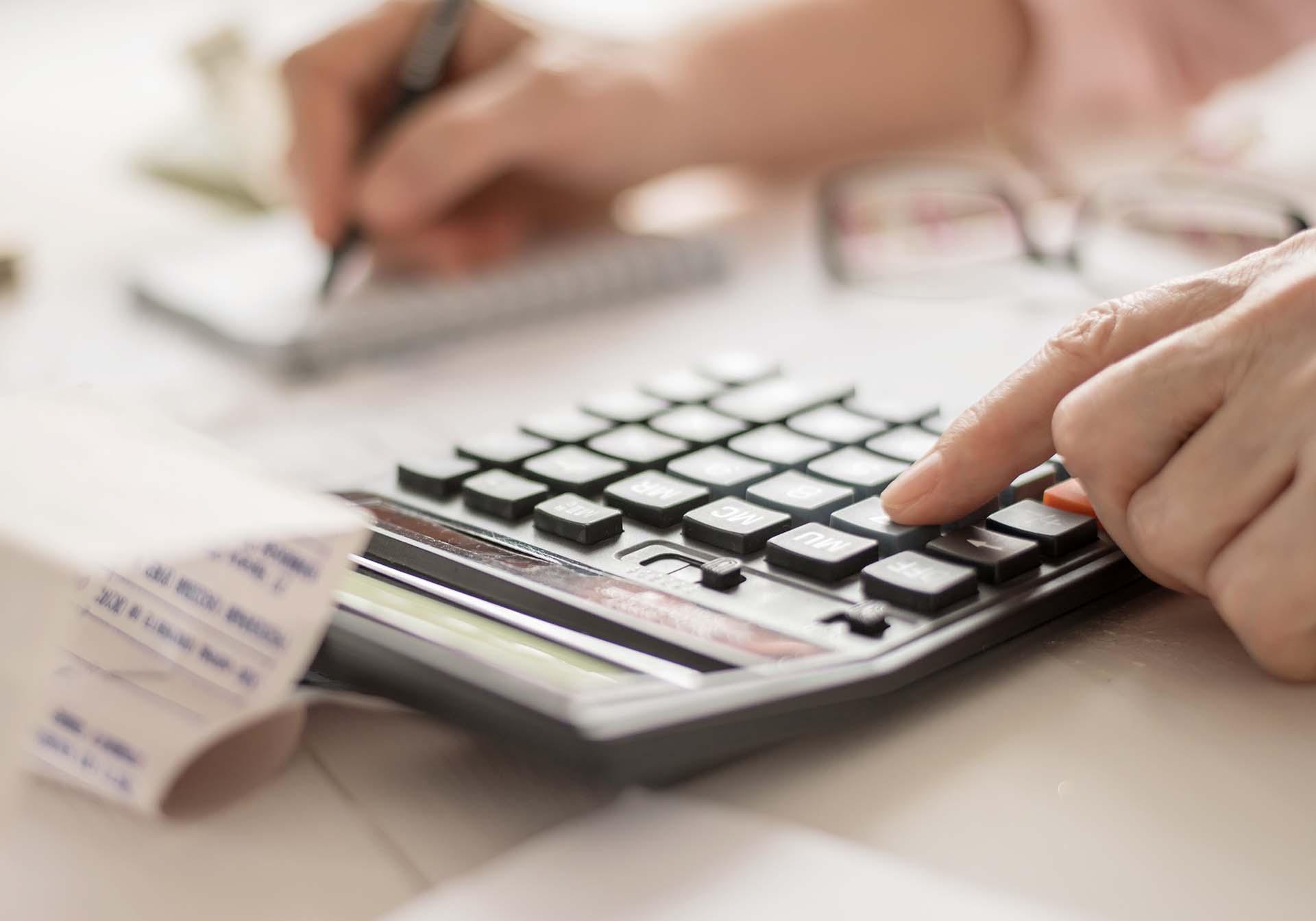 Hogyan számítják a katás vállalkozók nyugdíját 2020-ban?